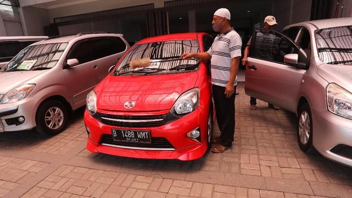 Penjual mobil bekas. (CNBC Indonesia/Andrean Kristianto)