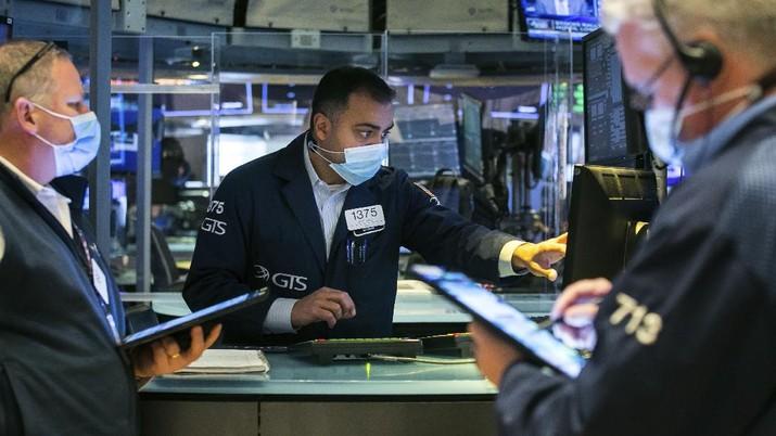 Markets Wall Street. (AP/Courtney Crow)
