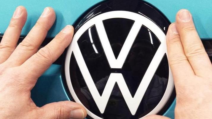 Logo Mobil VW. (AP/Jens Meyer)
