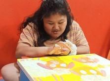 Raysha Dinar Gelar Pameran Lukisan Demi Anak Prasejahtera