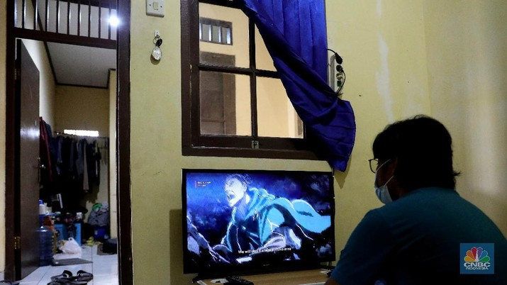 Ilustrasi nonton film lewat (OTT) over the top. (CNBC Indonesia/Muhammad Sabki)