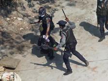 Mencekam! Aparat Junta Tembaki Pelayat Korban Demo Myanmar