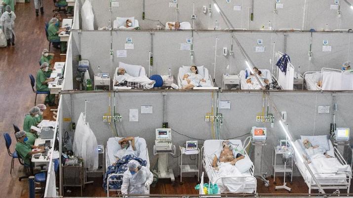 Ilustrasi rumah sakit yang penuh karena tingginya pasien yang terpapar Virus Corona di Sao Paulo, Brasil. (AP/Andre Penner)