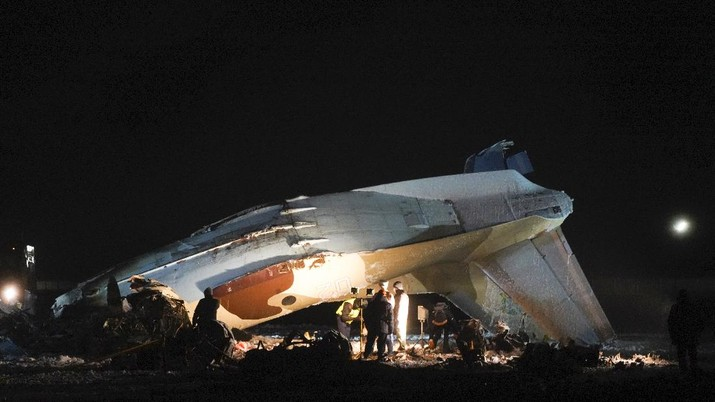Kecelakaan Pesawat di Kazakhstan pada (13/3/2021). AP/Vladimir Tretyakov