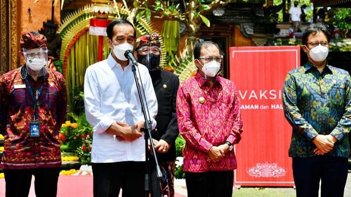 Presiden Jokowi Tinjau Vaksinasi Massal, Gianyar - Bali, (16/3/2021). (Dok: Biro Pers Sekretariat Presiden)