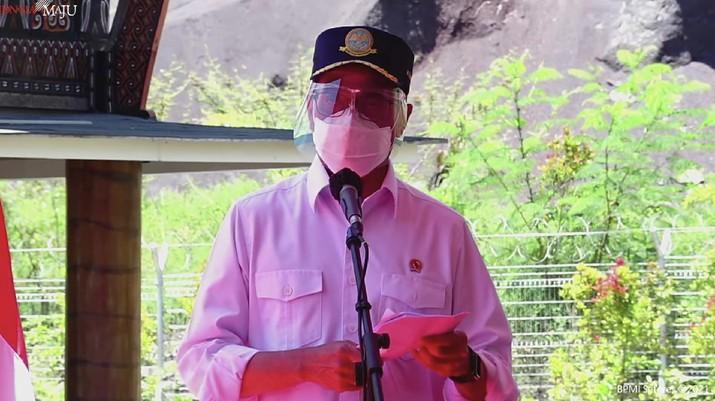 Menteri Perhubungan Budi Karya Sumadi dalam peresmian Bandar Udara Toraja dan Bandar Udara Pantar, Kab. Tana Toraja (18/3/2021). (Tangkapan Layar Youtube Sekretariat Presiden)