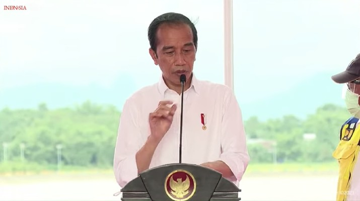Presiden Joko Widodo saat peresmian Kolam Regulasi Nipa-nipa, Kab Maros, 18 Maret 2021. (Tangkapan Layar Youtube Sekretariat Presiden)