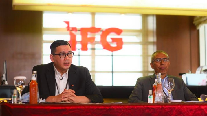 Direktur Keuangan dan Umum IFG Rizal