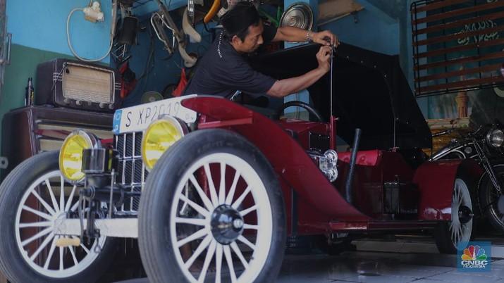 Replika Mobil Kuno (CNBC Indonesia/Tri Susilo)