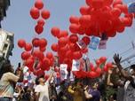 Seribu Satu Cara Pendemo Myanmar Minta Tolong Dunia