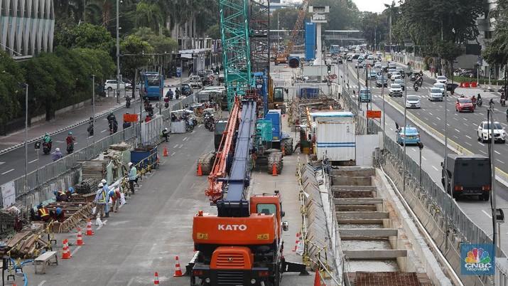 Proyek Pembangunan MRT Fase II. (CNBC Indonesia/Andrean Kristianto)