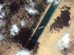 Potret Terkini Kapal Raksasa Melintang di Terusan Suez