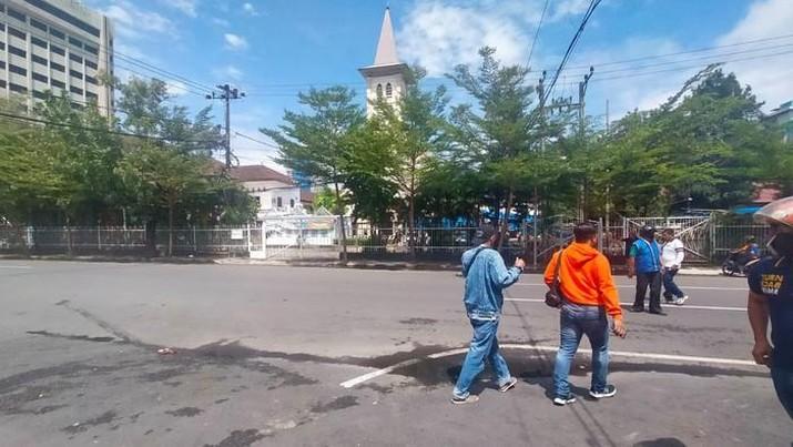 Ledakan di depan Gereja Katedral Makassar (Foto: Ibnu Munsir/detikcom)