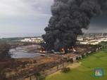Intip Asap Tebal di Hari Kedua Kebakaran di Kilang Balongan