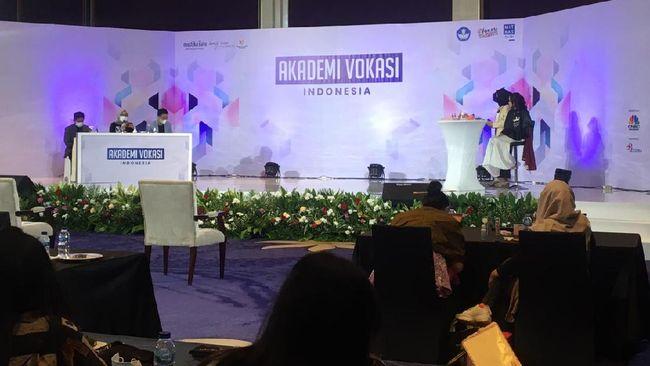 SRIL Akademi Vokasi Indonesia, Bidik Calon Desaigner Masa Kini