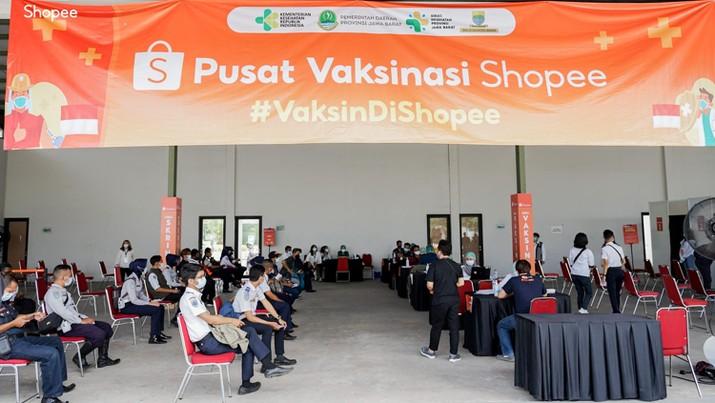 Pusat Vaksinasi Shopee di Kiara Artha Park Bandung, Jawa Barat (dok. Shopee)