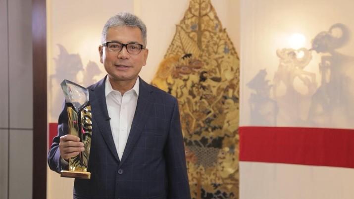 Direktur Utama BRI, Sunarso sebagai The Best CEO, dalam ajang  iNews Maker Awards 2021. (foto; ist)