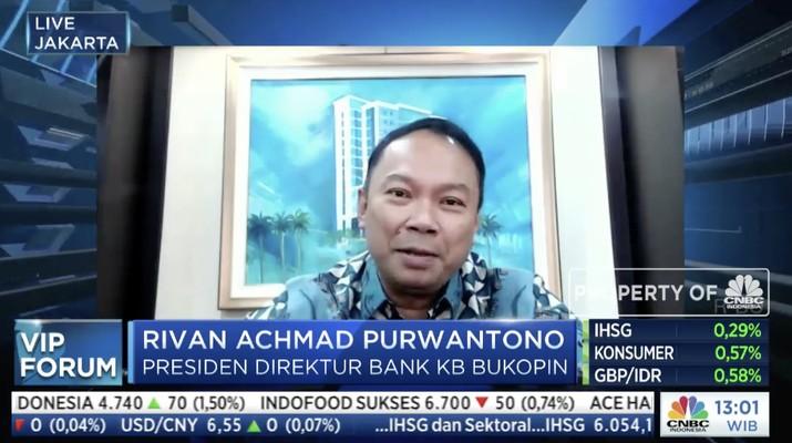 Direktur Utama Bukopin Rivan A. Purwantono dalam acara VIP Forum bertajuk