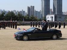 Bak Presiden, Ini Aksi Prabowo di Atas Limusin Korsel