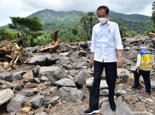 Tinjau Banjir NTT, Jokowi Dapat Laporan Harga BBM Mahal!