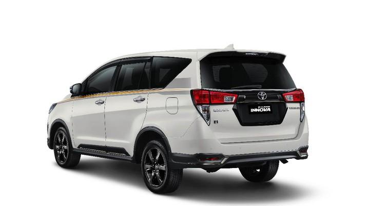 Toyota Innova Limited Edition (dok. Toyota)