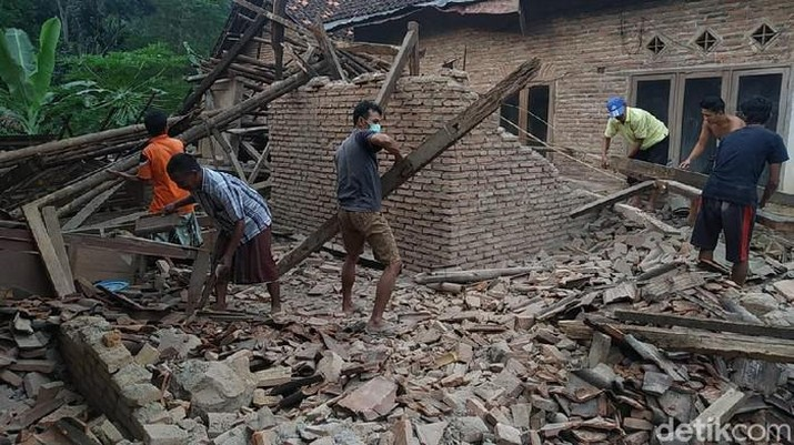 Foto/ Gempa Malang/ Detikcom