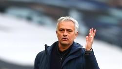Jose Mourinho Ngambek?