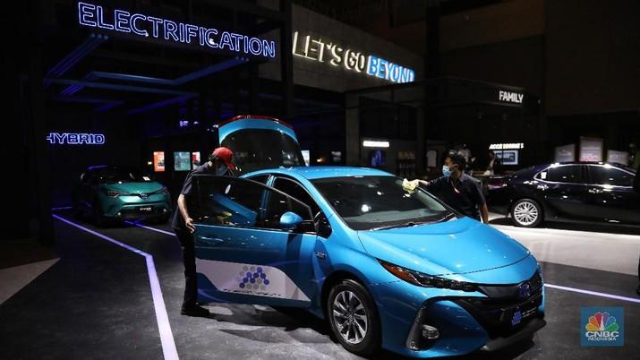 Toyota Prius PHEV. CNBC Indonesia/Andrean Kristianto