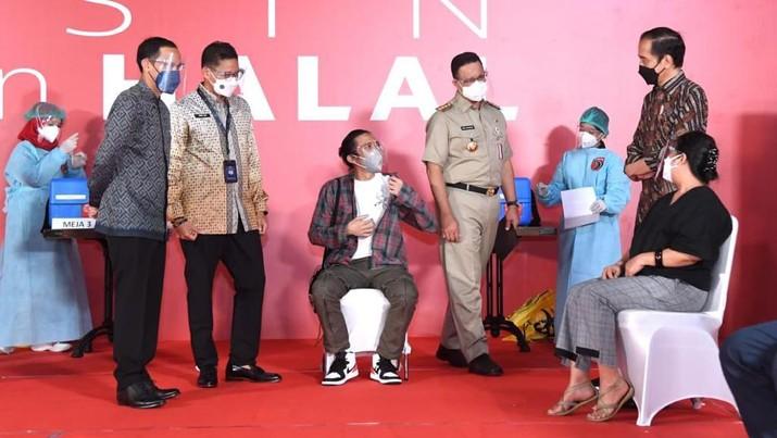 Jokowi Tinjau Vaksinasi Seniman dan Budayawan, Galeri Nasional Indonesia (Biro Pers Presiden RI)