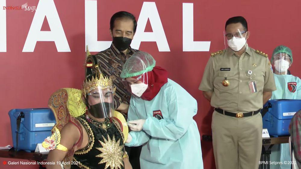 Jokowi Tinjau Vaksinasi Seniman dan Budayawan, Galeri Nasional Indonesia (Youtube BPMI)