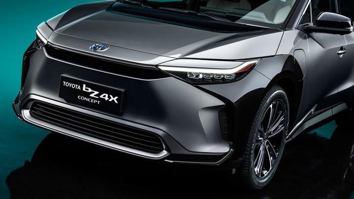 Toyota resmi memperkenalkan konsep SUV listrik bernama Toyota bZ4X (Toyota)