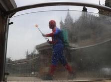 Aksi Heroik Spiderman saat India Diterpa Tsunami Corona