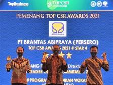 Brantas Abipraya Borong 3 Penghargaan di Top CSR Awards