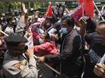 Bentrokan di Jakarta Tolak Panglima Junta Militer Myanmar