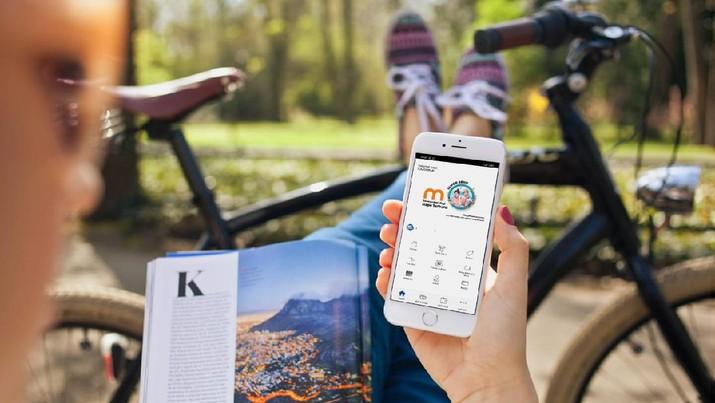 ilustrasi transaksi digital lewat smartphone