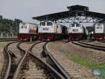 Intip Perawatan Lokomotif di Depo Kereta Api Cipinang Jakarta