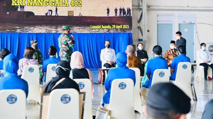 Presiden Joko Widodo Silaturahmi dengan Keluarga Patriot KRI Nanggala 402 (Biro Pers Sekretariat Presiden/Laily Rachev)