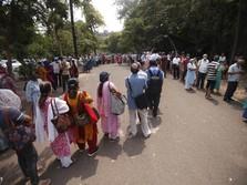 Sinyal SOS Corona India: Bantuan Mengalir, Kasus Terus Rekor!