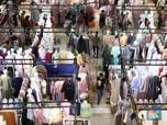 Penampakan Bapak-Ibu Berburu Baju Lebaran di Thamrin City