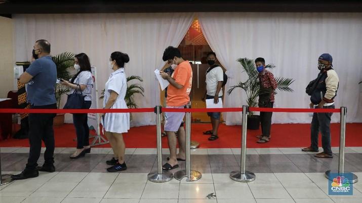 Vaksinasi pelaku usaha di Thamrin City. (CNBC Indonesia/Andrean Kristianto)