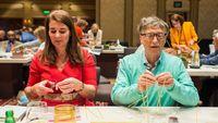 Bahasa Tubuh Melinda Tak Nyaman Bersama Bill Gates