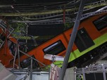 Timpa Kendaraan, Potret Rel Kereta Layang Ambruk di Meksiko