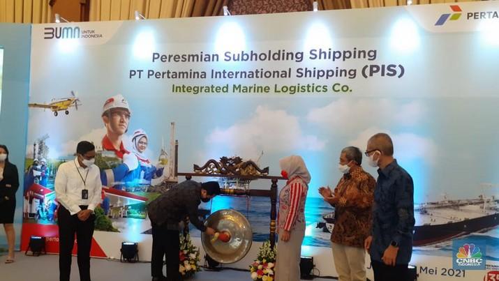 Menteri BUMN Erick Thohir resmikan subholding shipping pertamina, PT Pertamina International Shipping. (CNBC Indonesia/Anisatul Umah)