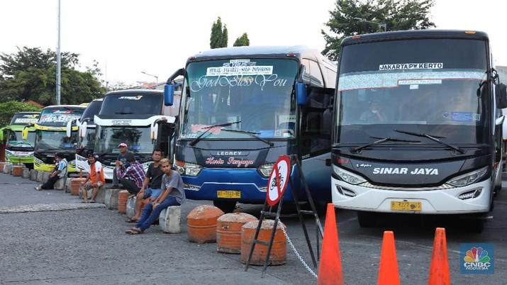 Terminal Bus Kalideres. (CNBC Indonesia/Andrean Kristianto)