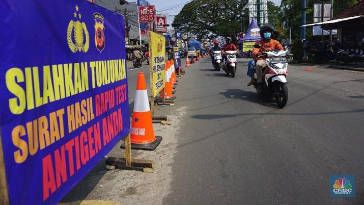 Penyekatan Jalur Mudik di Parung Bogor (CNBC Indonesia/Tri Susilo)
