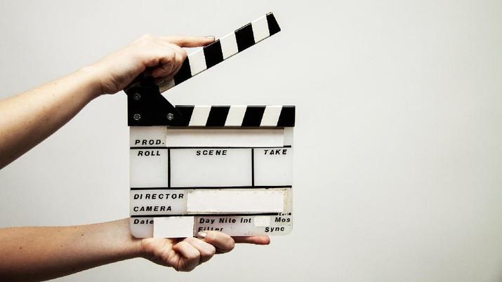Produksi Film (Image by Bokskapet from Pixabay)
