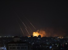 Rumah Pimpinan Hamas Kena Serangan Bom Israel