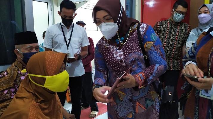 BPJS Kesehatan memastikan peserta JKN-KIS untuk tetap dapat memperoleh jaminan pelayanan kesehatan di fasilitas kesehatan yang telah bekerja sama dengan BPJS Kesehatan meskipun dalam situasi lebaran.