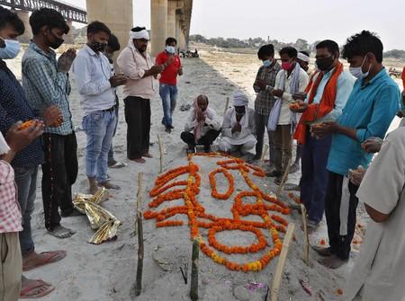 India Diterjang Tsunami Covid, Bagaimana Nasib Modi?