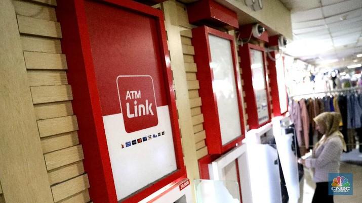 Ilustrasi ATM Link Aja. (CNBC Indonesia/Muhammad Sabki)